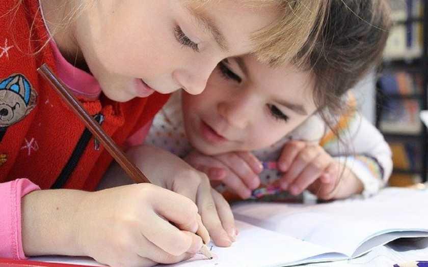 Como o reforço escolar ajuda as crianças